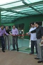 Gestores, em ato simbólico de inauguração das novas obras na unidade