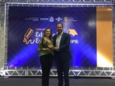 Professora Adriana Araújo recebeu Prêmio Sebrae de Educação Inovadora